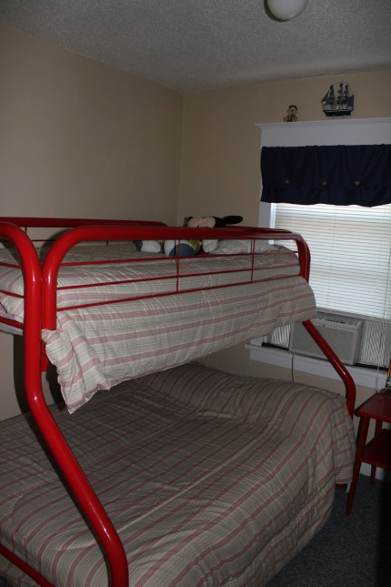 Ocean city beach condo guest room 1 of 3