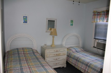 Beach block rental guest room 3 of 3